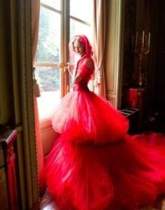 Natalia-Vodianova-in-Valentino-red-dress